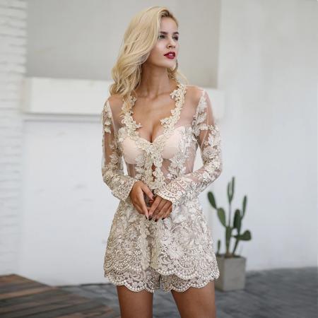 Macaquinho Feminino em Paetês e Rendas Alta Costura Super Elegante