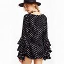 Blusa Preta Feminina Boemia em Camadas Estampa de Bolinhas Vintage