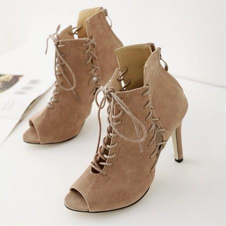 Sapato Bota Feminina Cladiadora com Cordão e Laço Ankle Boot Marrom