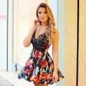 Vestido Floral Curto Preto Feminino com Decote Profundo