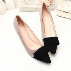 Sapato Feminino Baixo Preto com Laço Pico Fino Social Luxo Elegante