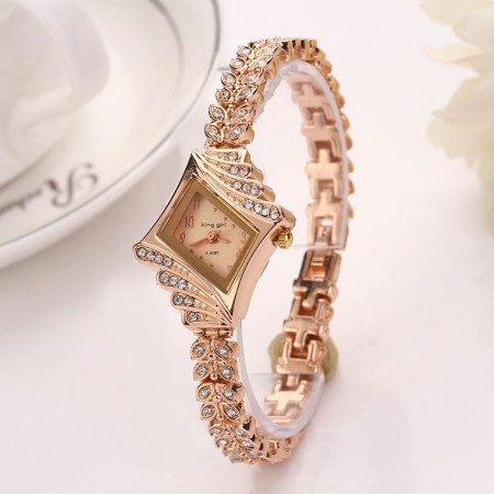 Gold Fine Watch with Crystals Fashion Design Women's Accessory
