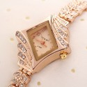 Relógio Fino Dourado com Cristais Design Fashion Acessório Feminino